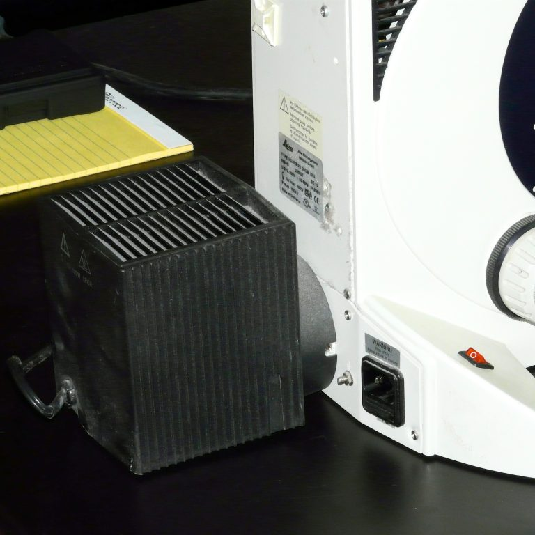 Leica DMLB 100W Illuminator